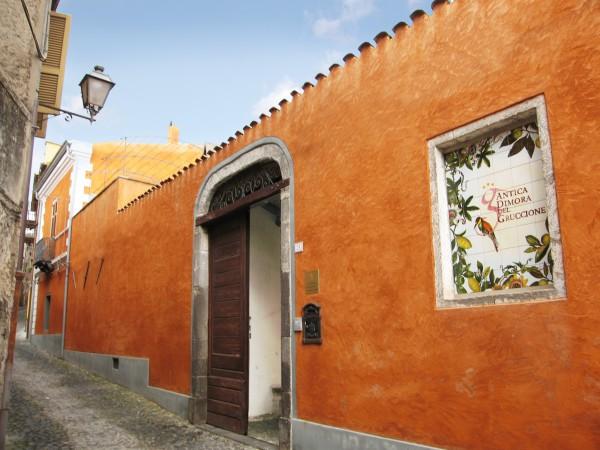 Albergo diffuso 4 santu lussurgiu bobos - Facciata casa colori ...