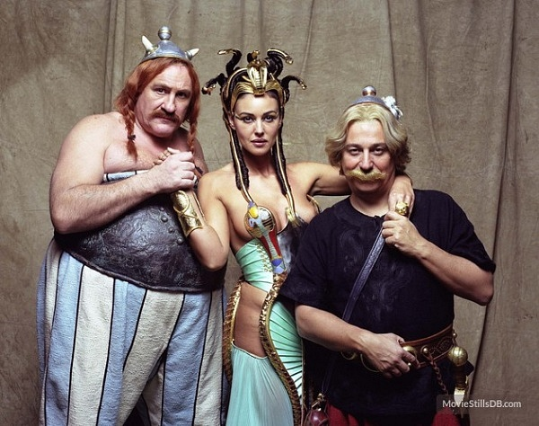 depardieu-bellucci-and-clavier-in-asterix-and-obelix-mission-cleopatre-2002