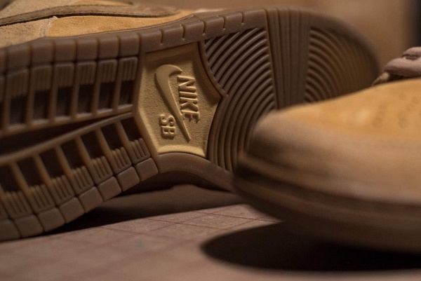 nike-sb-dunk-low-reverse-reese-forbes-wheat-04