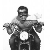 Marlon_Brando_motorcycle
